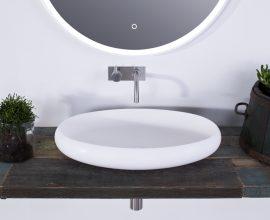 Ovalt handfat vit Acovi-komposit. Från Copenhagen Bath